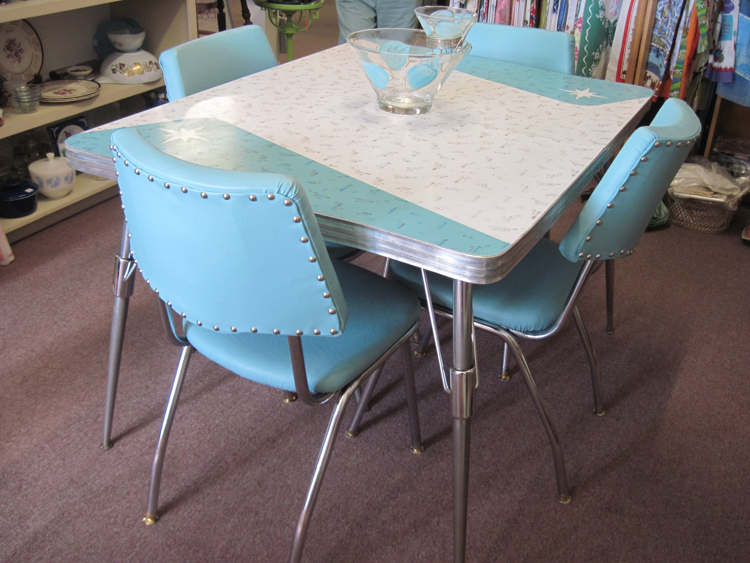 Retro vintage formica table and chairs fabfindsblog - Table cuisine formica annee 50 ...