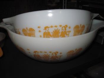 Butterprint Pyrex bowls