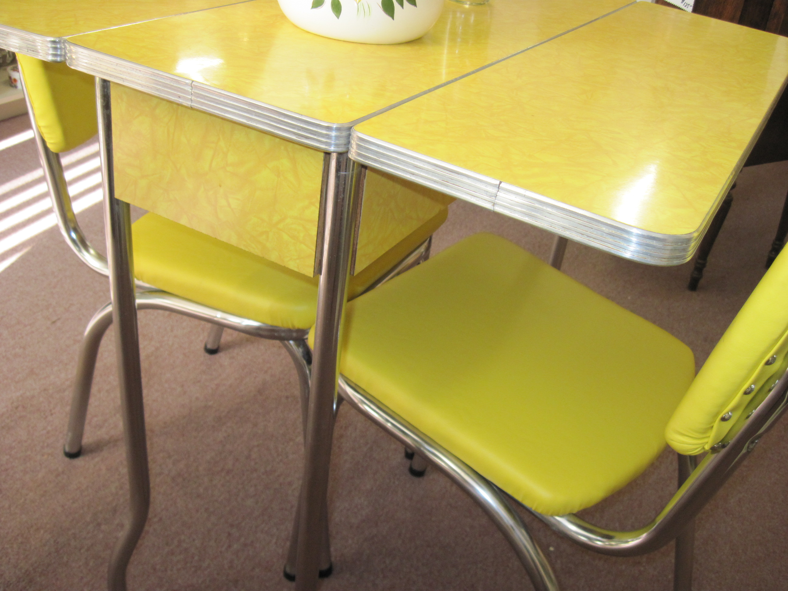 Yellow 1950 s cracked ice formica table and chairs fabfindsblog - Formica top kitchen tables ...