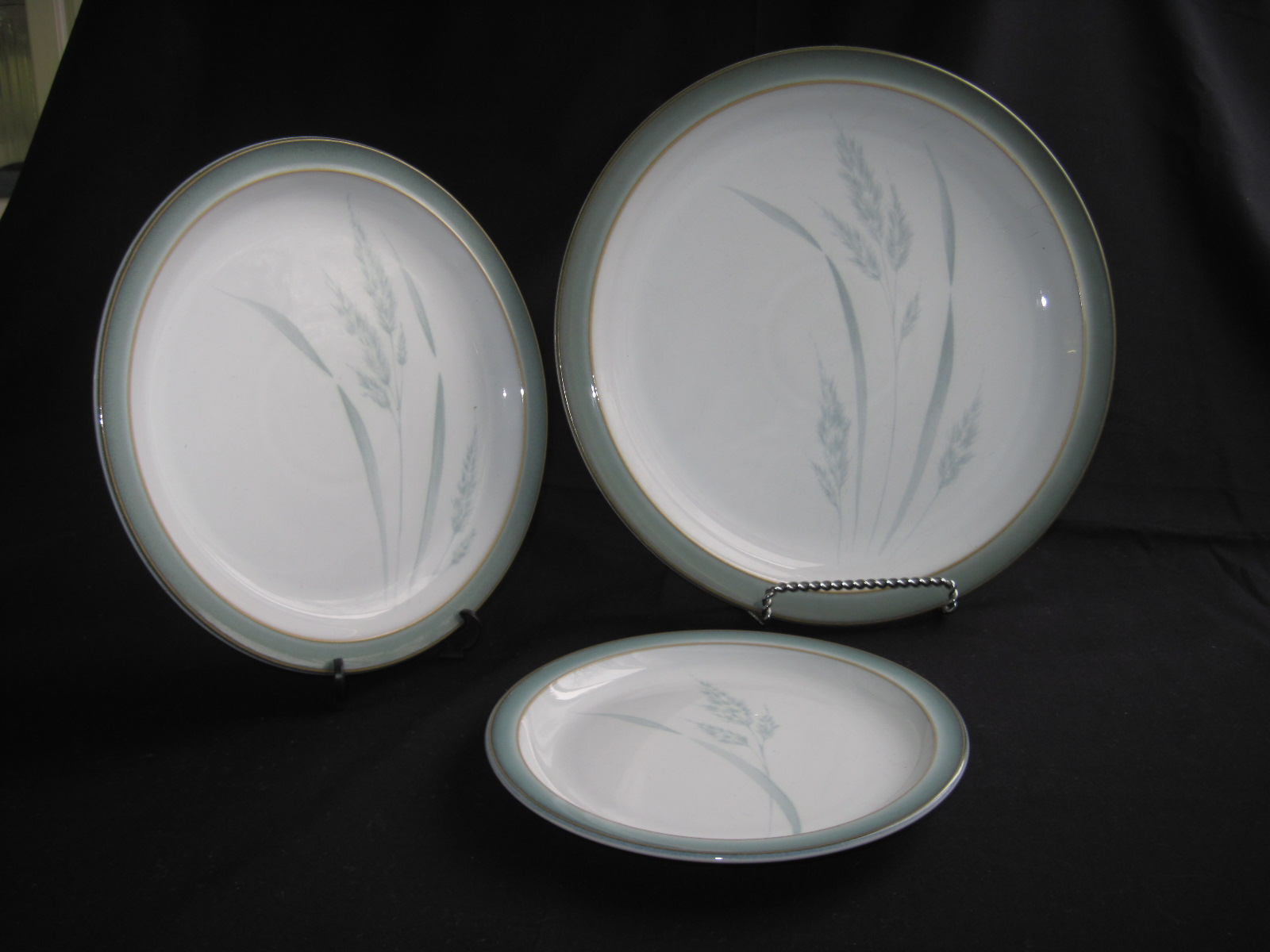 These are very nice subtly patterned Denby plates in the Regency Meadow pattern produced between 2002 and 2006. This pattern compliments their Regency ... & Denby England | fabfindsblog