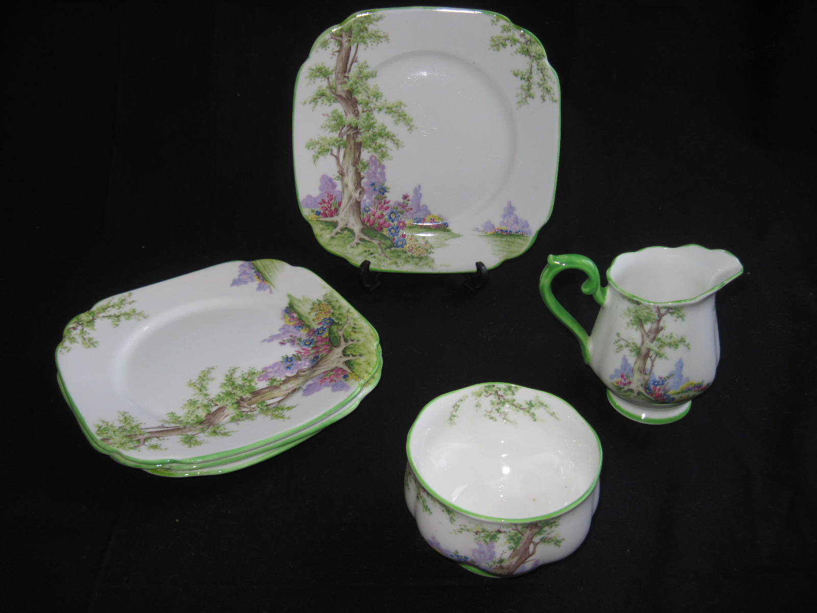 Dating royal albert crown china