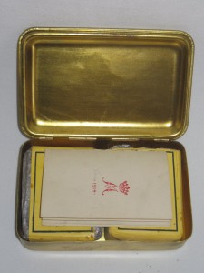 queen mary cig box with cigs