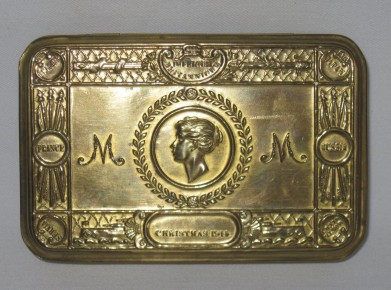 queen mary cigarette box