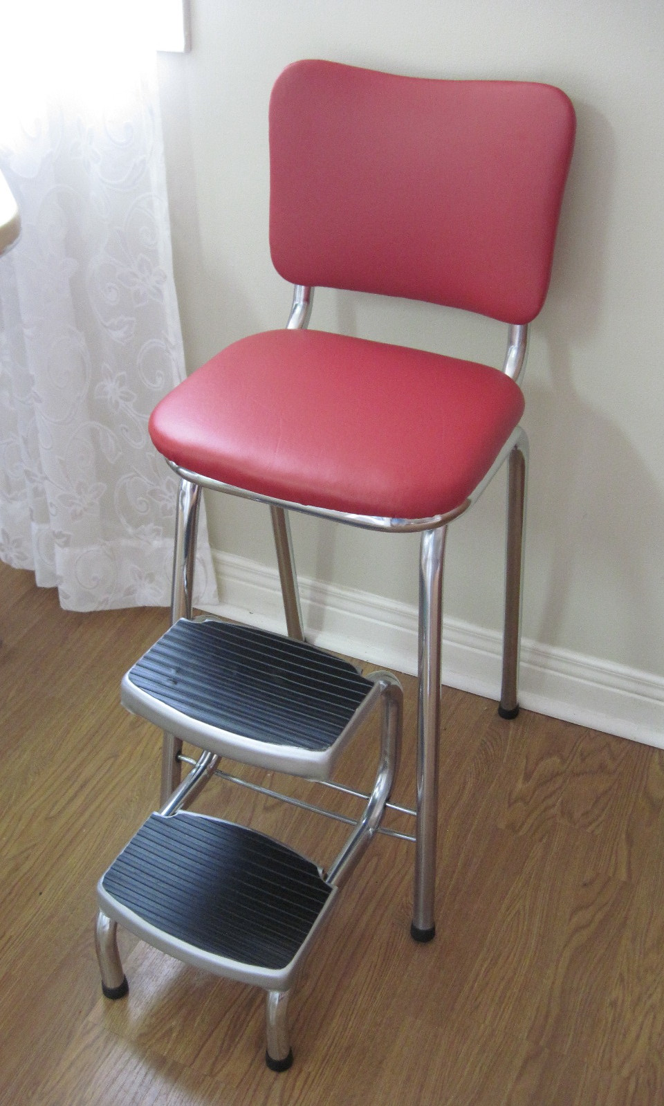 Vintage Red Vinyl Mid Century Chrome Step Stool Fabfindsblog