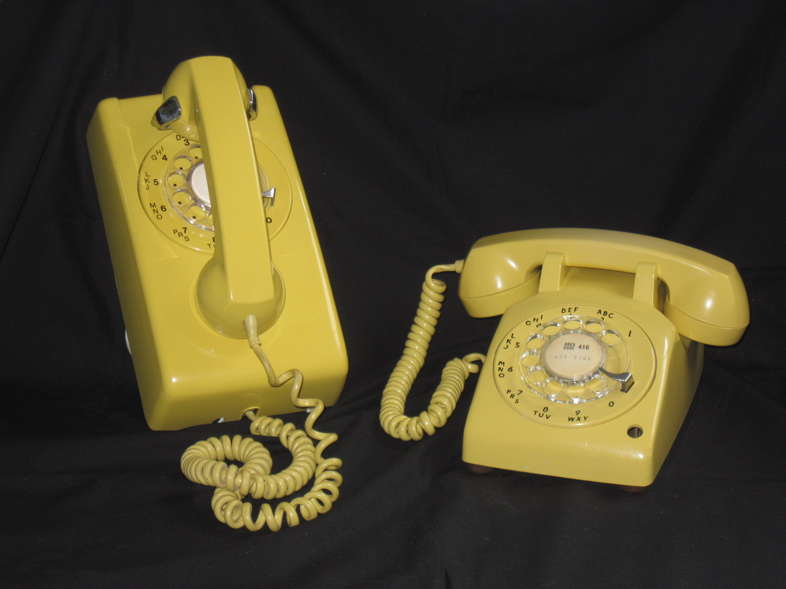 Vintage 1970's and 80's Yellow Rotary Dial Phones | fabfindsblog