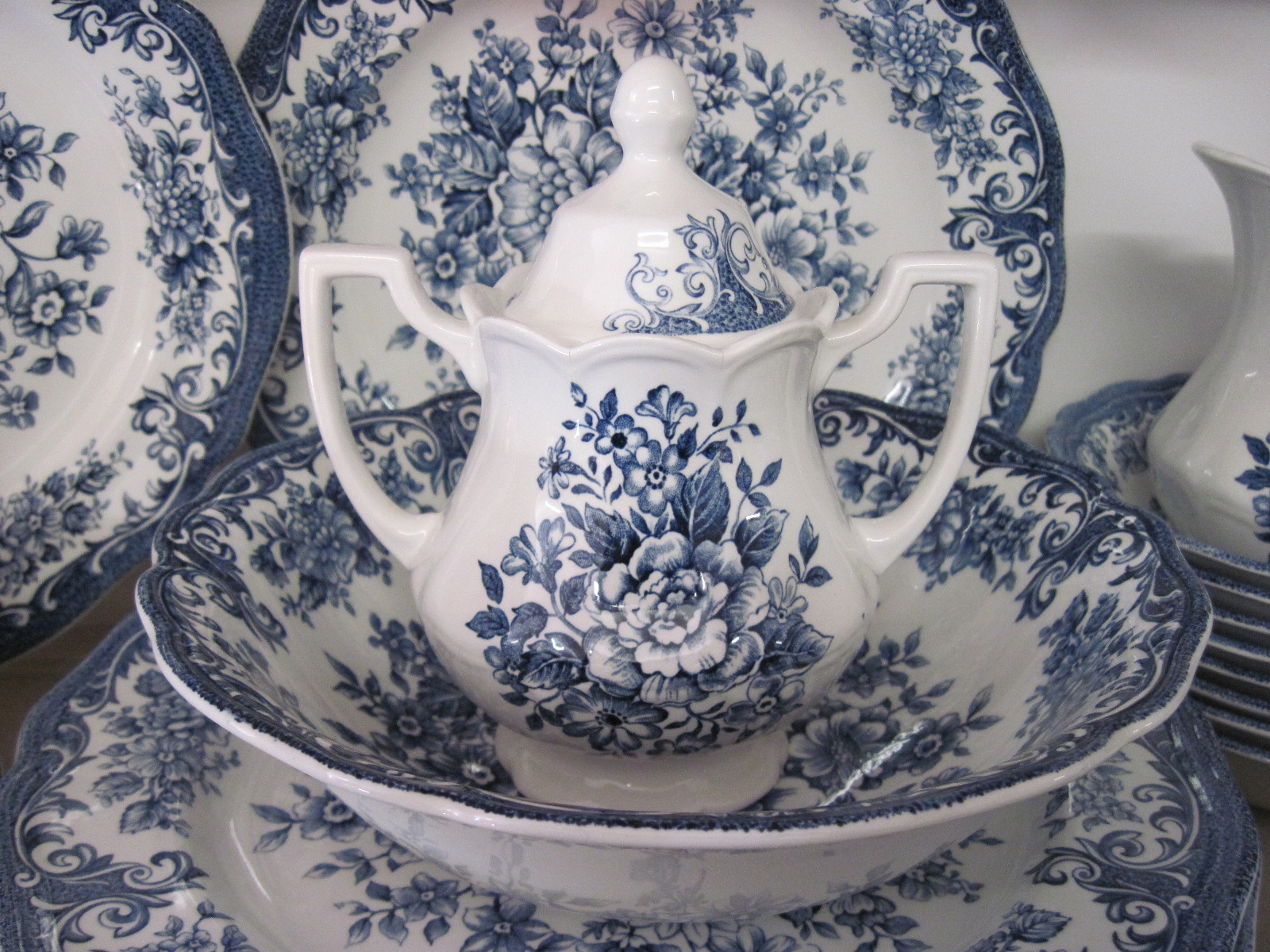 IMG_8986 & J \u0026 G Meakin Avondale Royal Staffordshire Dishes | fabfindsblog
